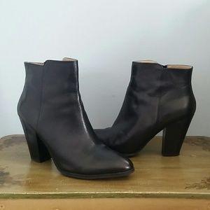 79da4d7e93f 🍁SALE Adrienne Vittadini Leather Booties - Size 9